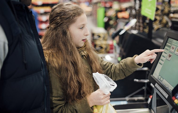How Does Self-Service Technology Offset Labor Issues for Independent Grocers?